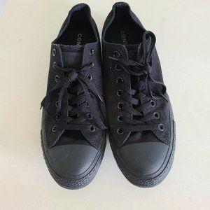 Converse Shoes - Converse low top monochrome unisex sneakers